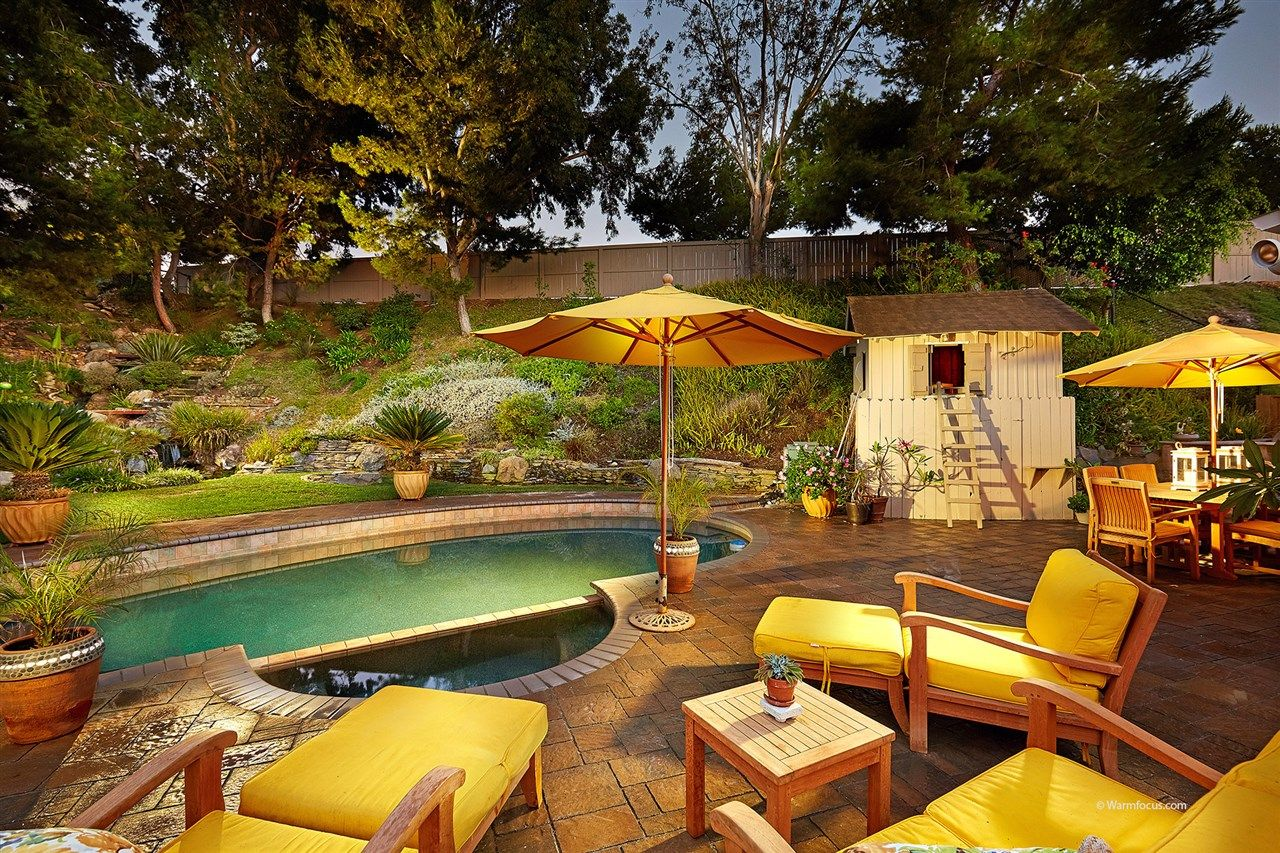 Main Photo: CARLSBAD SOUTH House for sale : 4 bedrooms : 7573 Caloma Circle in Carlsbad