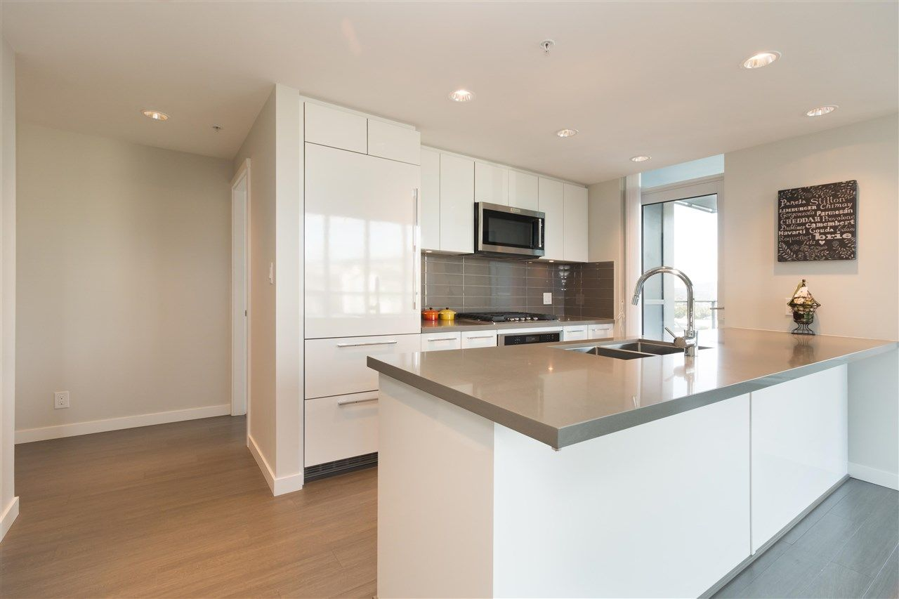 """Main Photo: 2308 3093 WINDSOR Gate in Coquitlam: New Horizons Condo for sale in """"The Windsor by Polygon"""" : MLS®# R2331154"""