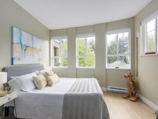 """Photo 12: 302 5605 HAMPTON Place in Vancouver: University VW Condo for sale in """"The Pemberley"""" (Vancouver West)  : MLS®# R2263786"""