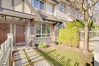 """Photo 2: 106 2200 PANORAMA Drive in Port Moody: Heritage Woods PM Townhouse for sale in """"QUEST"""" : MLS®# R2248826"""