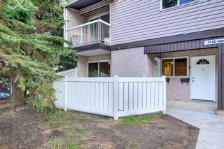 Photo 2: 1 3800 FONDA Way SE in Calgary: Forest Heights Row/Townhouse for sale : MLS®# C4300410