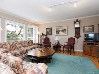 Photo 2: 3735 Crestview Rd in VICTORIA: SE Cadboro Bay House for sale (Saanich East)  : MLS®# 826514