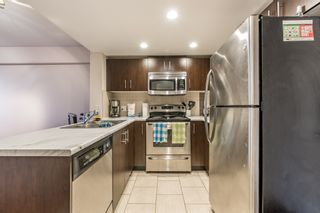 Photo 4: 402 200 KEARY STREET in New Westminster: Sapperton Condo for sale : MLS®# R2145784