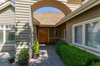Photo 3: 111 6505 3 AVENUE in Delta: Boundary Beach Townhouse for sale (Tsawwassen)  : MLS®# R2601751