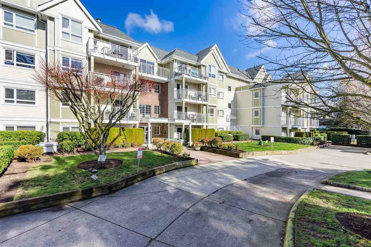 """Main Photo: 311 20189 54 Avenue in Langley: Langley City Condo for sale in """"Catalina Gardens"""" : MLS®# R2544458"""