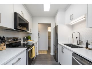 """Photo 5: 302 1720 SOUTHMERE Crescent in White Rock: Sunnyside Park Surrey Condo for sale in """"Capstan Way"""" (South Surrey White Rock)  : MLS®# R2602939"""