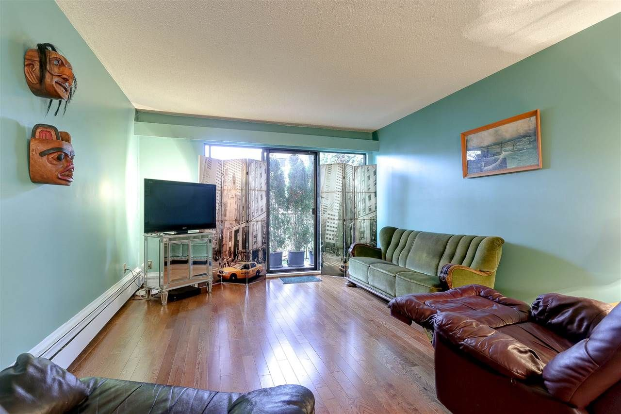 """Photo 9: Photos: 310 466 E EIGHTH Avenue in New Westminster: Sapperton Condo for sale in """"PARK VILLA"""" : MLS®# R2117704"""