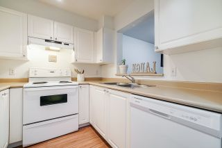 """Photo 17: 332 9979 140 Street in Surrey: Whalley Condo for sale in """"SHERWOOD GREEN"""" (North Surrey)  : MLS®# R2532582"""