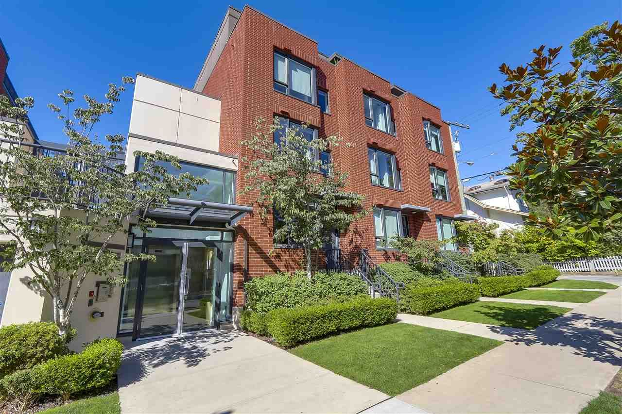 """Main Photo: 214 1961 COLLINGWOOD Street in Vancouver: Kitsilano Townhouse for sale in """"VIRIDIAN GREEN"""" (Vancouver West)  : MLS®# R2205025"""