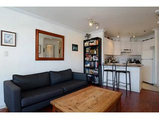 "Photo 4: 304 2025 STEPHENS Street in Vancouver: Kitsilano Condo for sale in ""STEPHEN'S COURT"" (Vancouver West)  : MLS®# V1069084"