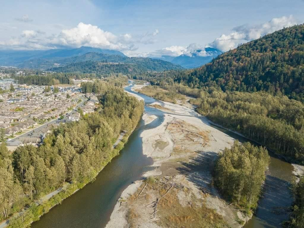 """Photo 6: Photos: 5488 DRIFTWOOD Street in Chilliwack: Vedder S Watson-Promontory Condo for sale in """"WEBSTER CROSSING"""" (Sardis)  : MLS®# R2527096"""