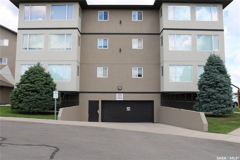 Main Photo: 111 115 Keevil Crescent in Saskatoon: University Heights Residential for sale : MLS®# SK863469