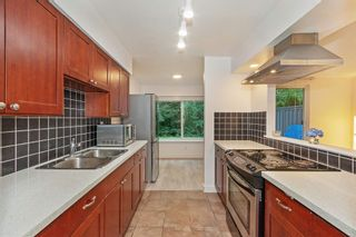 Photo 5: 8236 AMBERWOOD Place in Burnaby: Forest Hills BN Townhouse for sale (Burnaby North)  : MLS®# R2601543