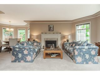 "Photo 4: 5443 184A Street in Surrey: Cloverdale BC House for sale in ""HUNTER PARK"" (Cloverdale)  : MLS®# R2386719"