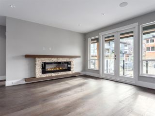 """Photo 3: 3325 DESCARTES Place in Squamish: University Highlands House for sale in """"University Meadows"""" : MLS®# R2205912"""