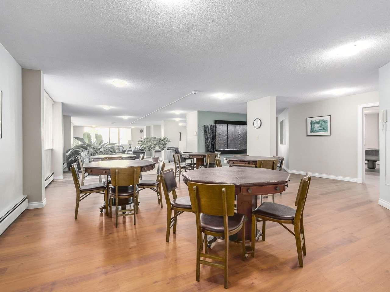 """Photo 14: Photos: 304 1480 FOSTER Street: White Rock Condo for sale in """"White Rock Square 1"""" (South Surrey White Rock)  : MLS®# R2231627"""