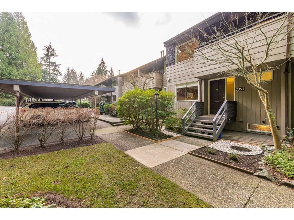 "Photo 2: Photos: 2393 MOUNTAIN Highway in North Vancouver: Lynn Valley Townhouse for sale in ""WORKWOOD PARK"" : MLS®# R2532253"