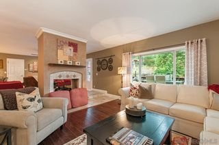 Photo 4: MOUNT HELIX House for sale : 4 bedrooms : 4326 Calavo Drive in La Mesa