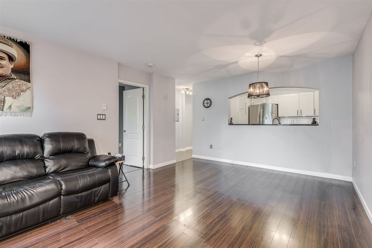 """Photo 6: Photos: 108 3733 NORFOLK Street in Burnaby: Central BN Condo for sale in """"Winchelsea"""" (Burnaby North)  : MLS®# R2400393"""