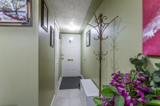 """Photo 2: 16 21555 DEWDNEY TRUNK Road in Maple Ridge: West Central Townhouse for sale in """"RICHMOND COURT"""" : MLS®# R2410984"""