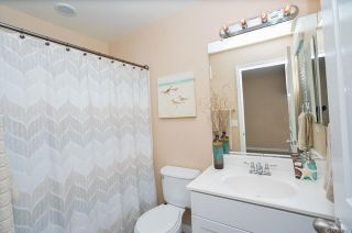 Photo 14: Townhouse for sale : 3 bedrooms : 825 Harbor Cliff Way #269 in Oceanside