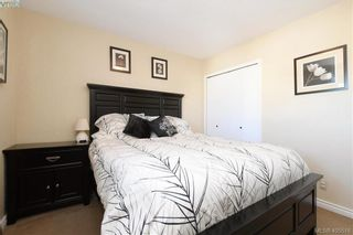 Photo 10: 7 400 Culduthel Rd in VICTORIA: SW Gateway Row/Townhouse for sale (Saanich West)  : MLS®# 805780