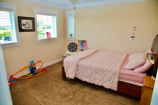 Photo 9: 19393 OLD DEWDNEY TRUNK Road in Pitt Meadows: North Meadows PI House for sale : MLS®# R2600471