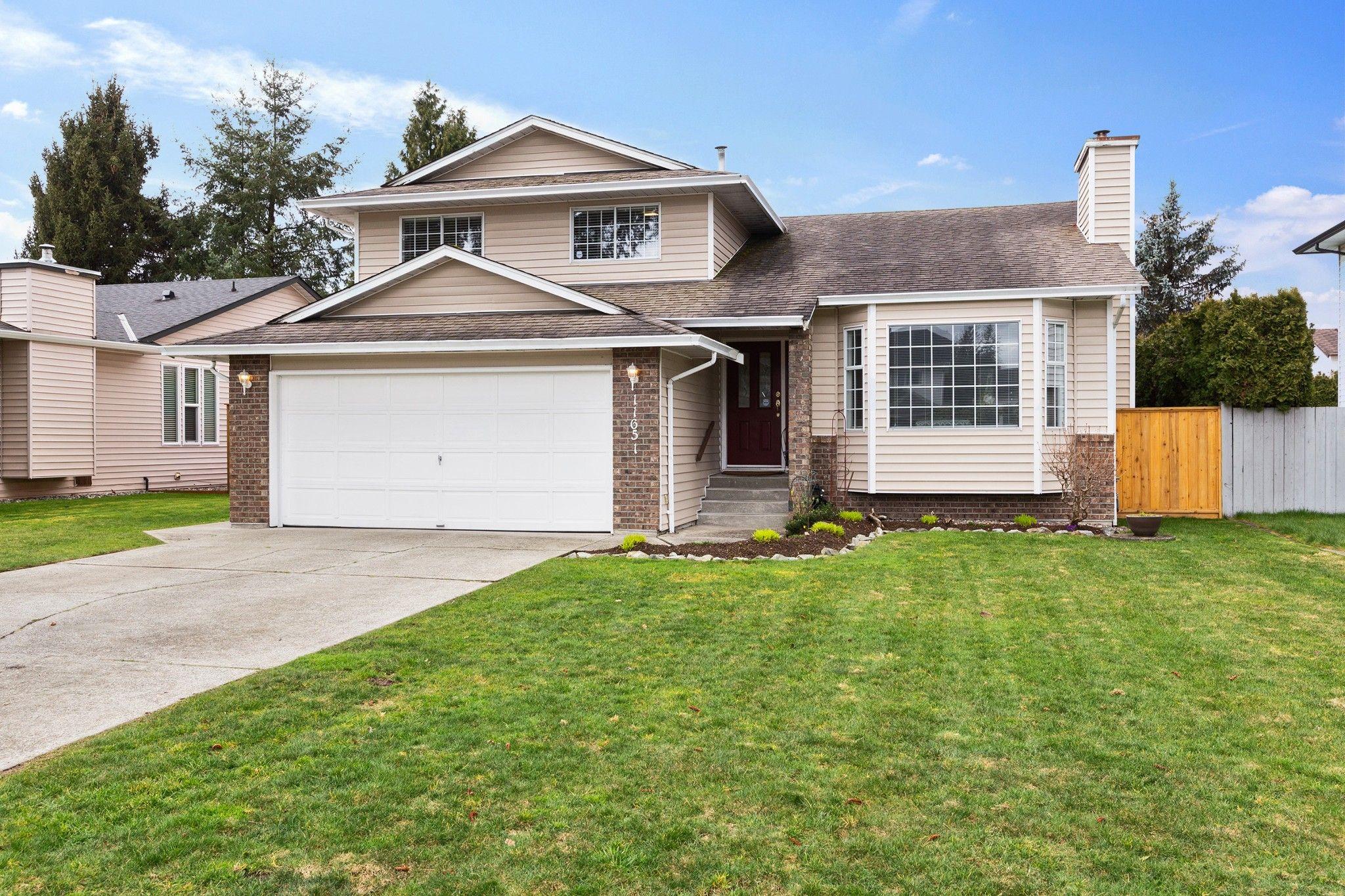 Main Photo: 11651 MILLER Street in Maple Ridge: Southwest Maple Ridge House for sale : MLS®# R2555254