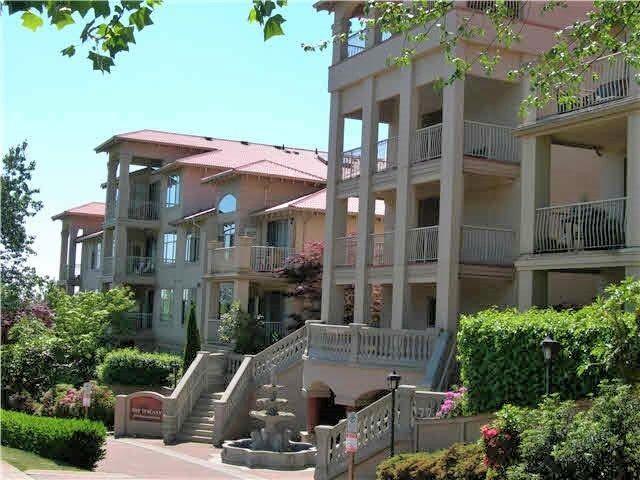 Main Photo: 201 3176 Plateau Boulevard in Coquitlam: Westwood Plateau Condo for sale : MLS®# R2184409