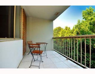 "Photo 8: 720 2012 FULLERTON Avenue in North_Vancouver: Pemberton NV Condo for sale in ""Woodcroft"" (North Vancouver)  : MLS®# V782754"