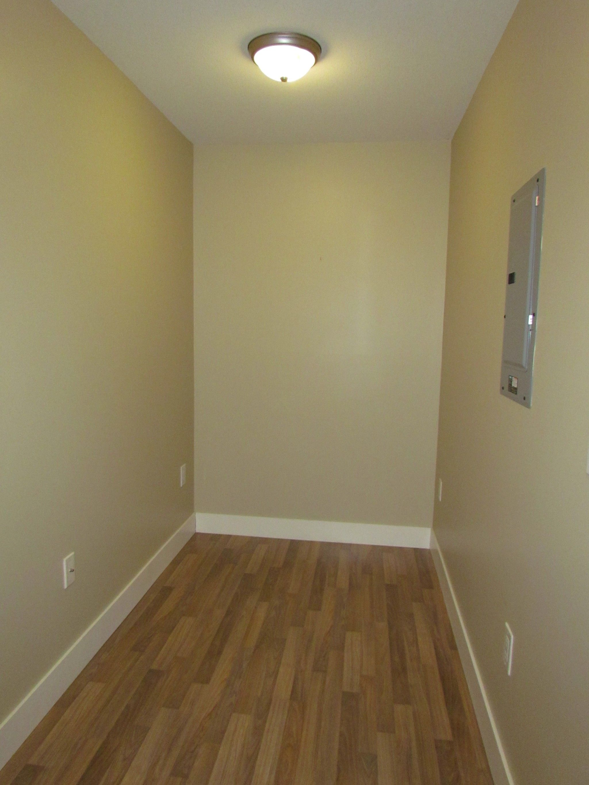 Photo 8: Photos: #204 2515 Park Drive in Abbotsford: Central Abbotsford Condo for rent