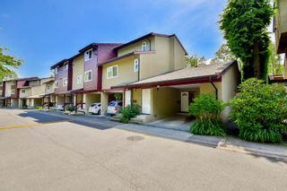 """Photo 1: 3424 LANGFORD Avenue in Vancouver: Champlain Heights Townhouse for sale in """"RICHVIEW GARDENS"""" (Vancouver East)  : MLS®# R2073849"""