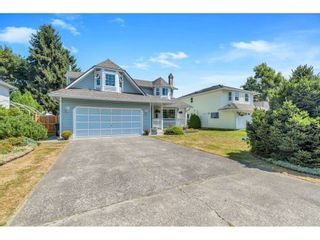 Photo 1: 9324 154A Street in Surrey: Fleetwood Tynehead House for sale : MLS®# R2481901