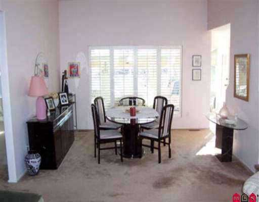 Photo 5: Photos: 15532 LORNE CT: White Rock House for sale (South Surrey White Rock)  : MLS®# F2613150