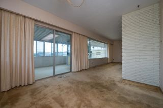 Photo 7: 5640 SARDIS Crescent in Burnaby: Forest Glen BS House for sale (Burnaby South)  : MLS®# R2617582