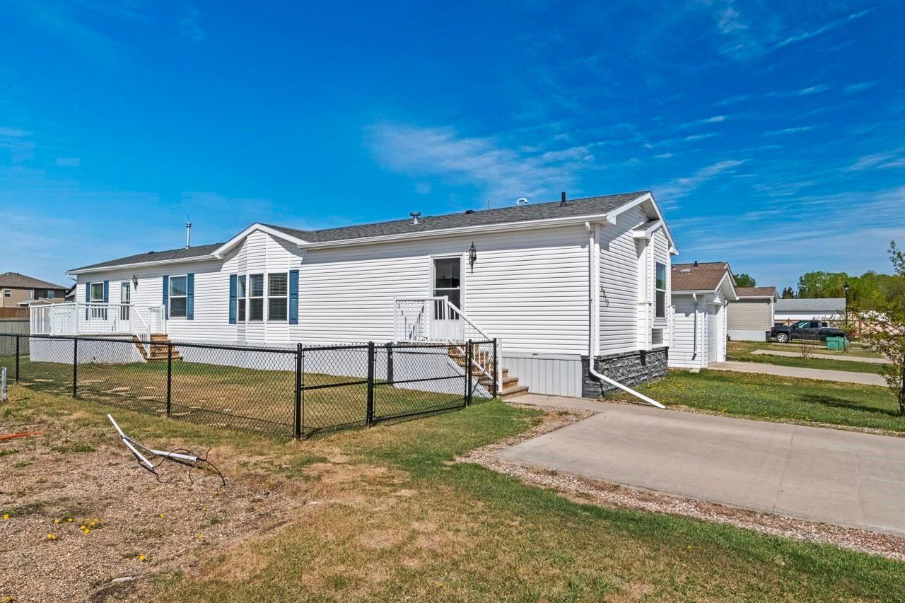 Main Photo: 4510 Labrador Road: Cold Lake Mobile for sale : MLS®# E4246196