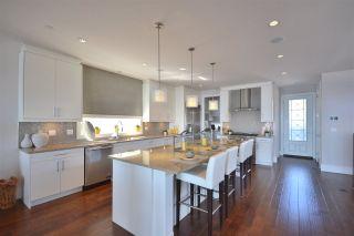 Photo 4: 15531 COLUMBIA Avenue: White Rock House for sale (South Surrey White Rock)  : MLS®# R2012260