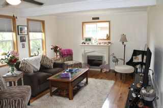 Photo 6: 1130 Fitzgerald Ave in Courtenay: CV Courtenay City House for sale (Comox Valley)  : MLS®# 887751