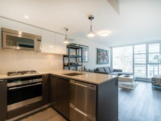 """Photo 10: 303 538 W 7TH Avenue in Vancouver: Fairview VW Condo for sale in """"CAMBIE +7"""" (Vancouver West)  : MLS®# R2332331"""