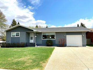 Photo 1: 8928 Thomas Avenue in North Battleford: Maher Park Residential for sale : MLS®# SK857233