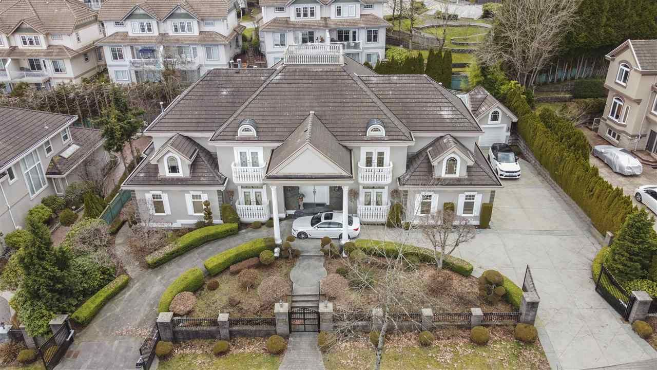 Main Photo: 3138 PLATEAU Boulevard in Coquitlam: Westwood Plateau House for sale : MLS®# R2551923