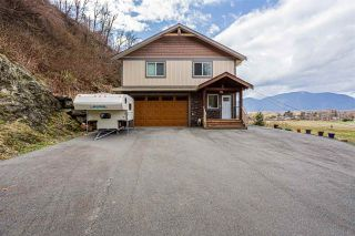 Photo 2: 42950 VEDDER MOUNTAIN Road: Yarrow House for sale : MLS®# R2487606