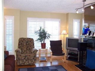Photo 17: Fabulous 2BR Townhouse in Fairview!