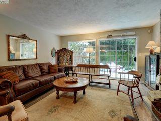 Photo 7: 1017 Scottswood Lane in VICTORIA: SE Broadmead House for sale (Saanich East)  : MLS®# 806228