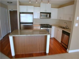 Photo 4: 209 175 W 1ST Street in North Vancouver: Lower Lonsdale Condo for sale : MLS®# V980148