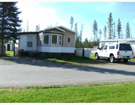 """Main Photo: 27 5125 NORTH NECHAKO Road in Prince_George: Nechako Bench Manufactured Home for sale in """"EVERGREEN TRAILER PARK"""" (PG City North (Zone 73))  : MLS®# N176575"""