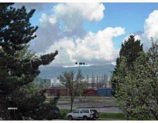 Photo 10: 774 GREAT NORTHERN Way in Vancouver: Mount Pleasant VE Condo for sale (Vancouver East)  : MLS®# V640336
