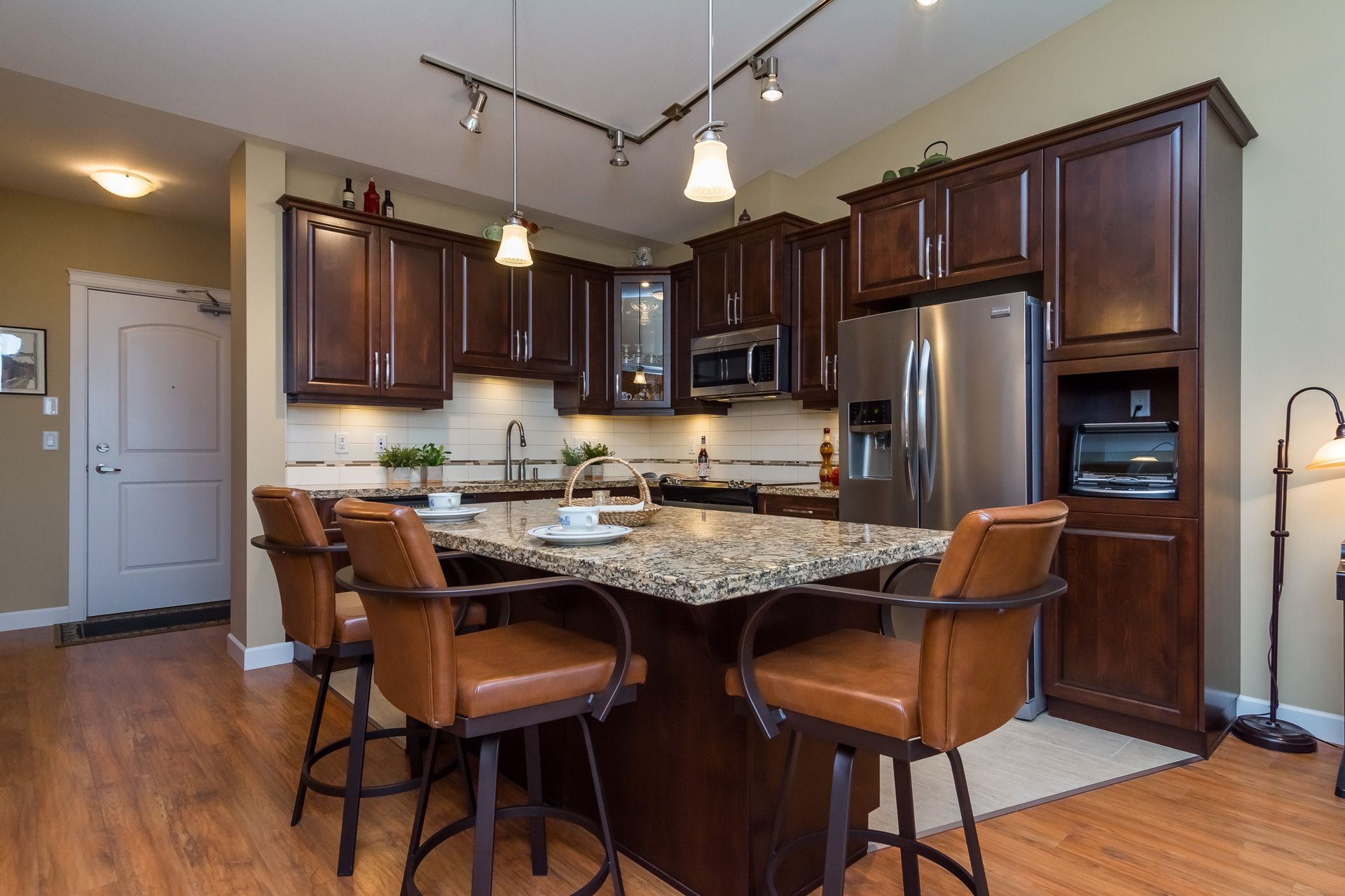 """Photo 15: Photos: 509 8258 207A Street in Langley: Willoughby Heights Condo for sale in """"YORKSON CREEK (BLG A)"""" : MLS®# R2221052"""