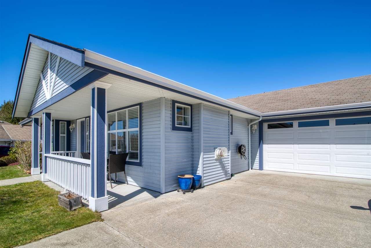 "Main Photo: 5670 CASCADE Crescent in Sechelt: Sechelt District House for sale in ""CASCADE COURT"" (Sunshine Coast)  : MLS®# R2566986"