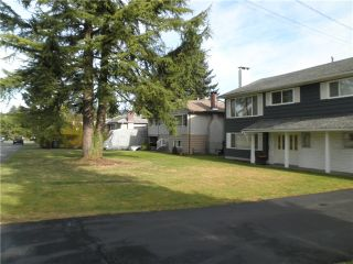 Photo 2: 821 LEVIS Street in Coquitlam: Harbour Place House for sale : MLS®# V1101561